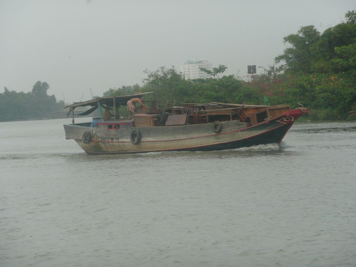 ホーチミン・川