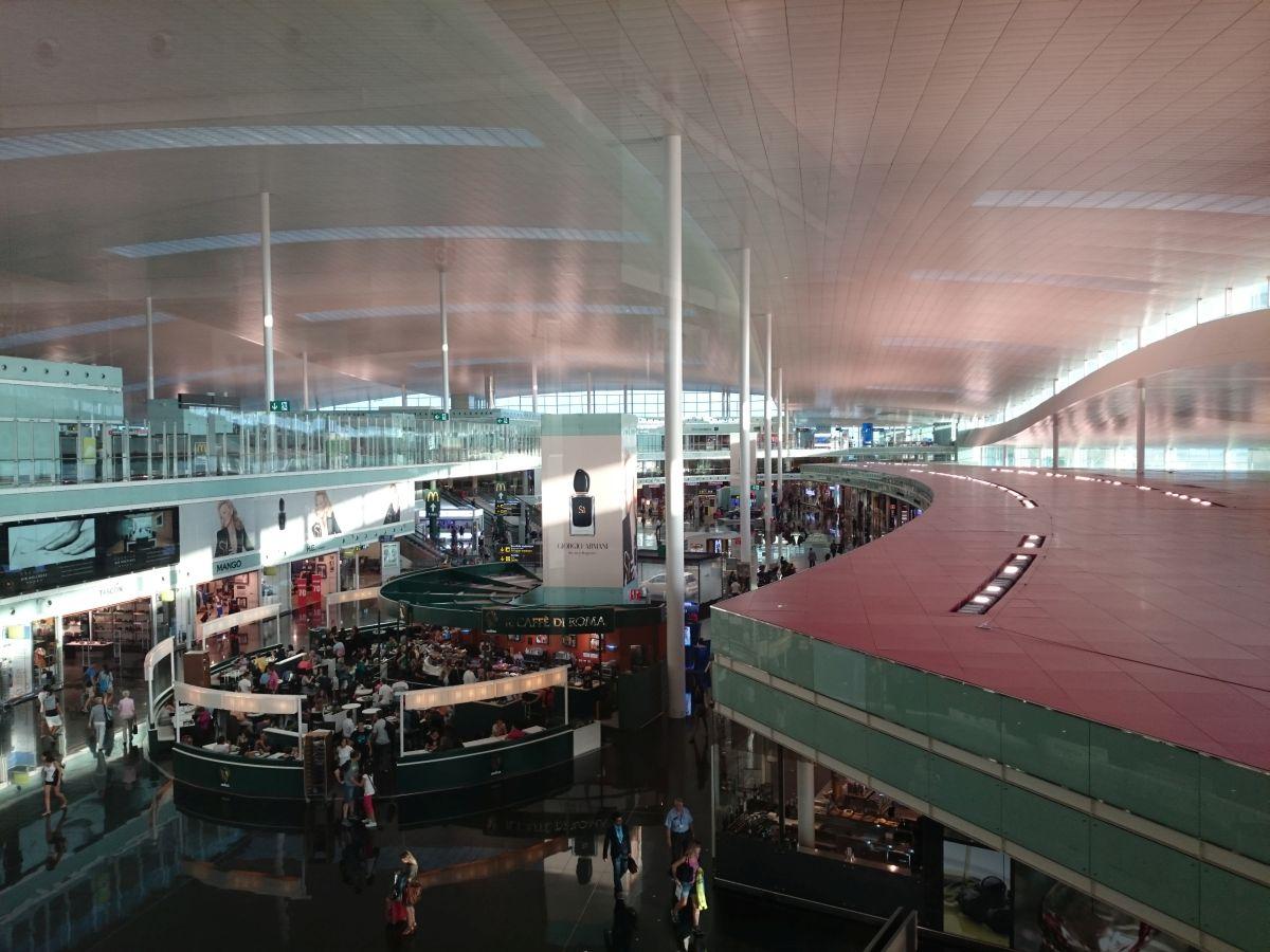 バルセロナ空港 ターミナル