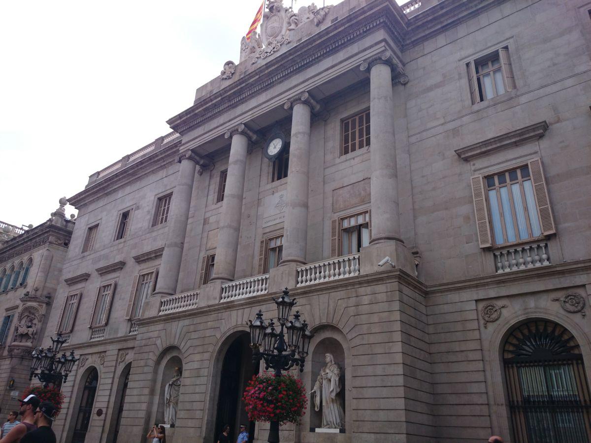 サン・ジャウマ広場 バルセロナ市庁舎