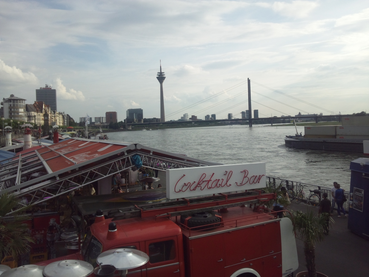 デュッセルドルフ ライン川