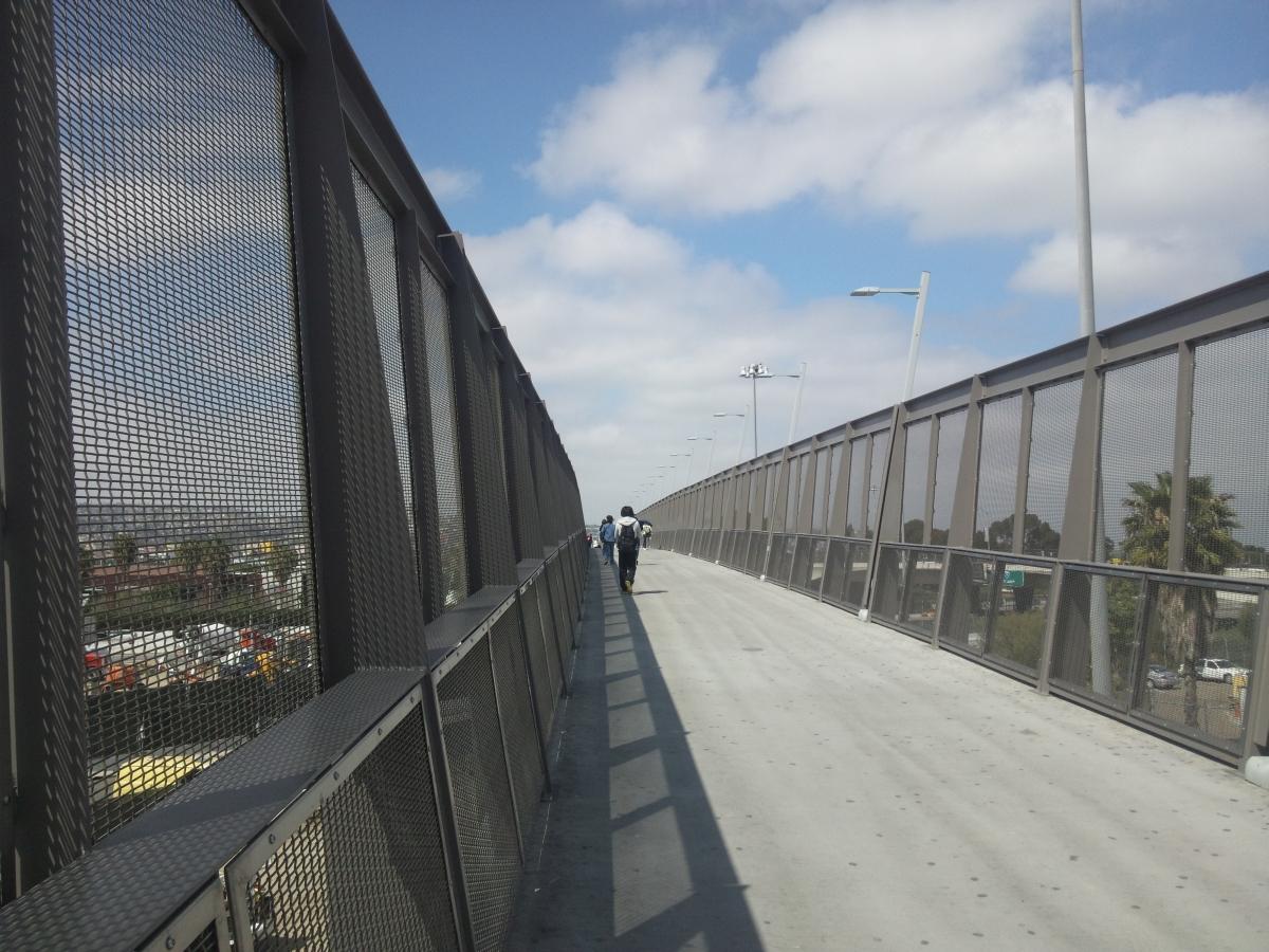 メキシコ国境 ティフアナ