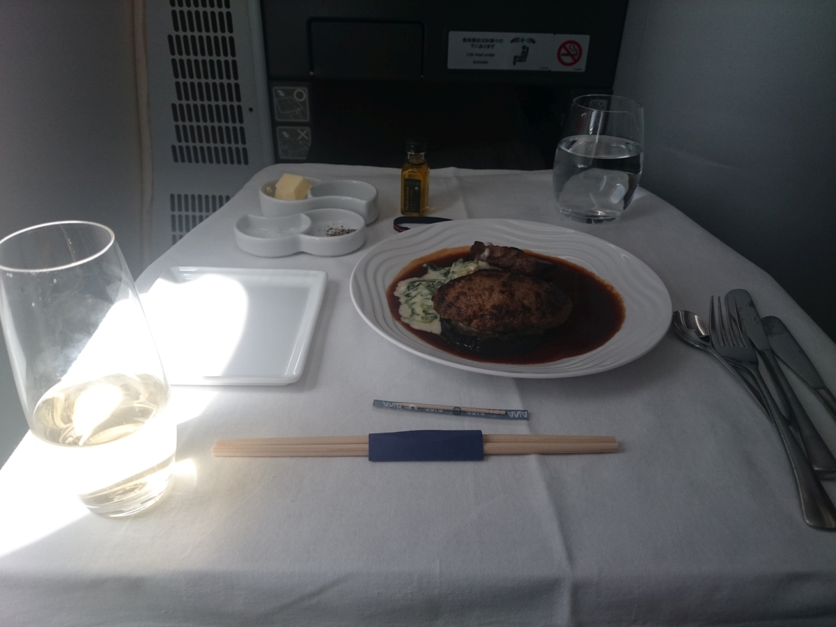 ANA デュッセルドルフ行き ビジネスクラス 機内食